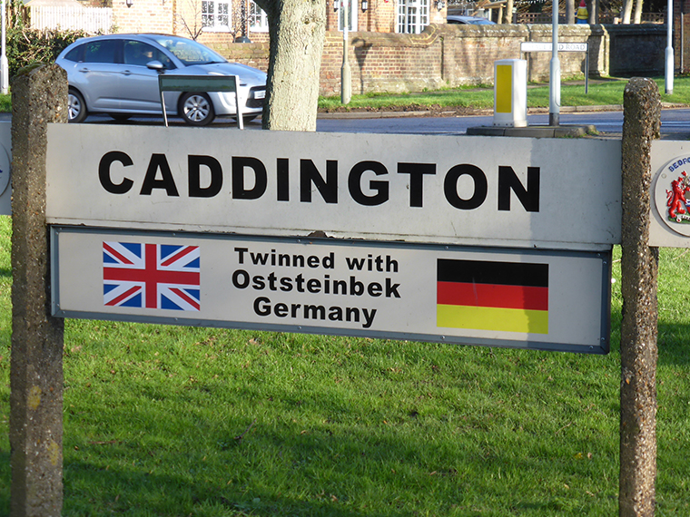 Getting to and from Caddington, Luton, UK