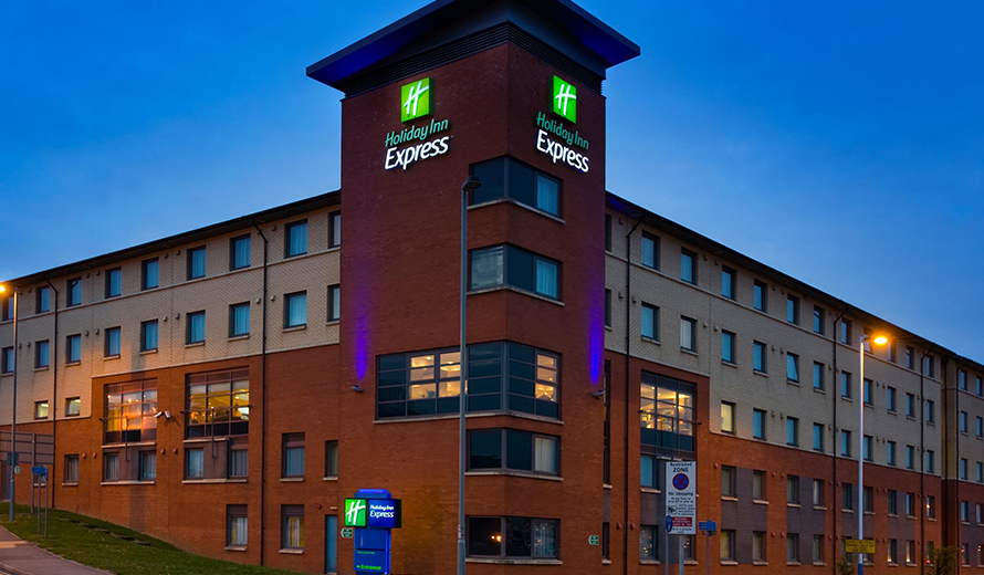 Taxi to and from Holiday Inn Express Luton Airport