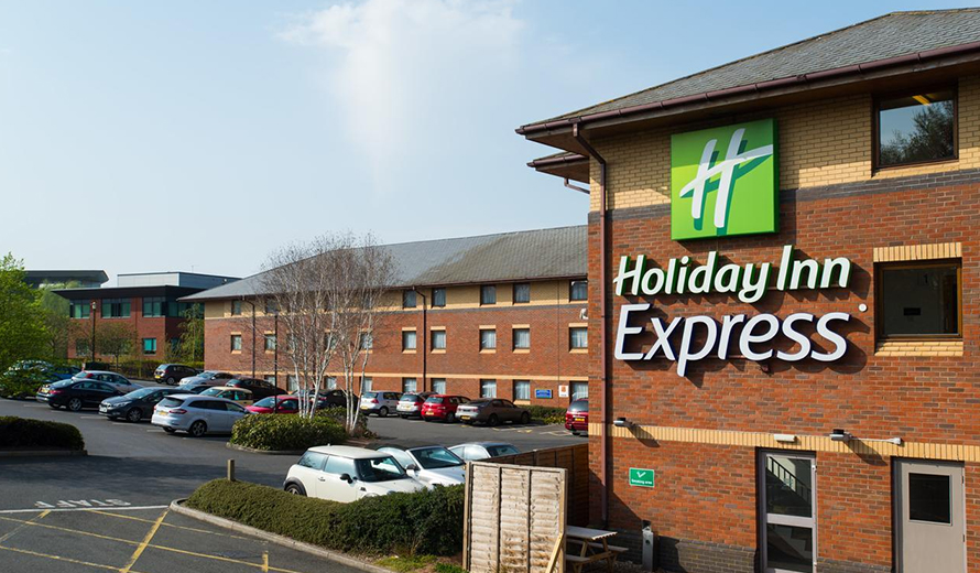 How to get to Holiday Inn Express Luton Airport