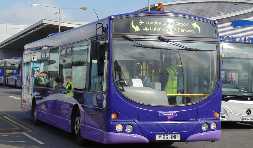 Luton Airport by coach and bus