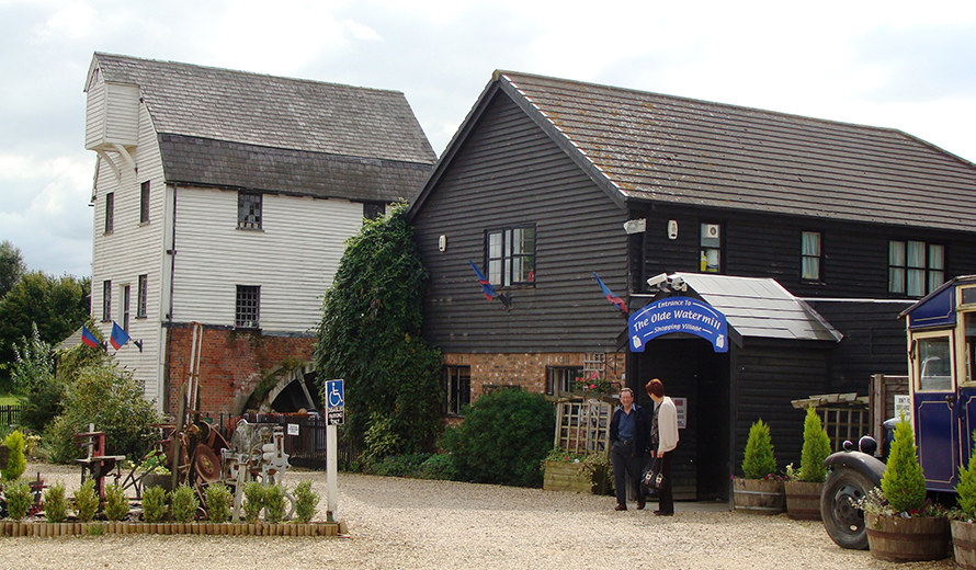 1) The Olde Watermill Shopping Village (Barton-le- Clay)